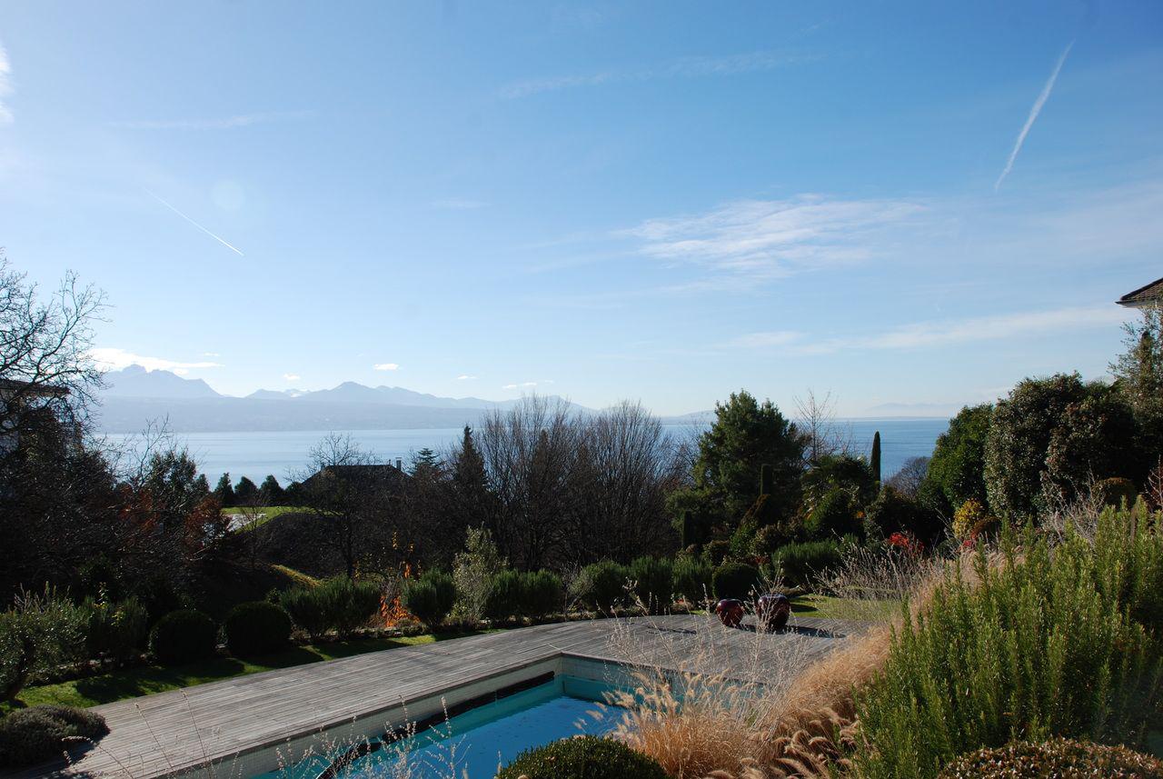 Prestigieuse propriété calme de 550 m2 avec piscine et vue sur le lac picture 5