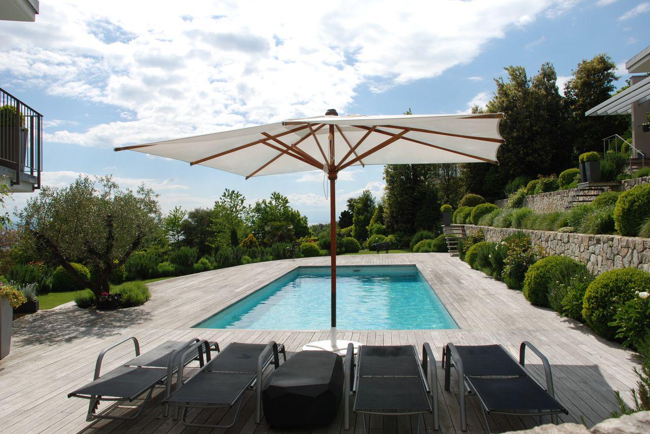 Prestigieuse propriété calme de 550 m2 avec piscine et vue sur le lac picture 4