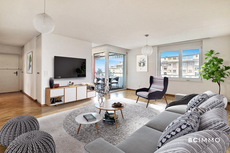 BC Immo - Appartement en attique avec loggia à proximité des transports - 1004HB04