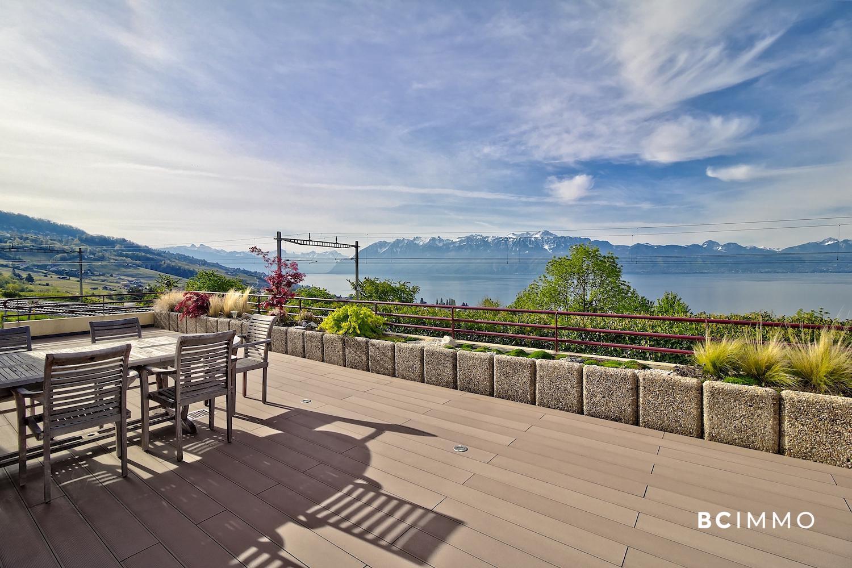 BC Immo - Magnifique appartement en terrasse avec vue sur le lac et les Alpes - 1093KG29