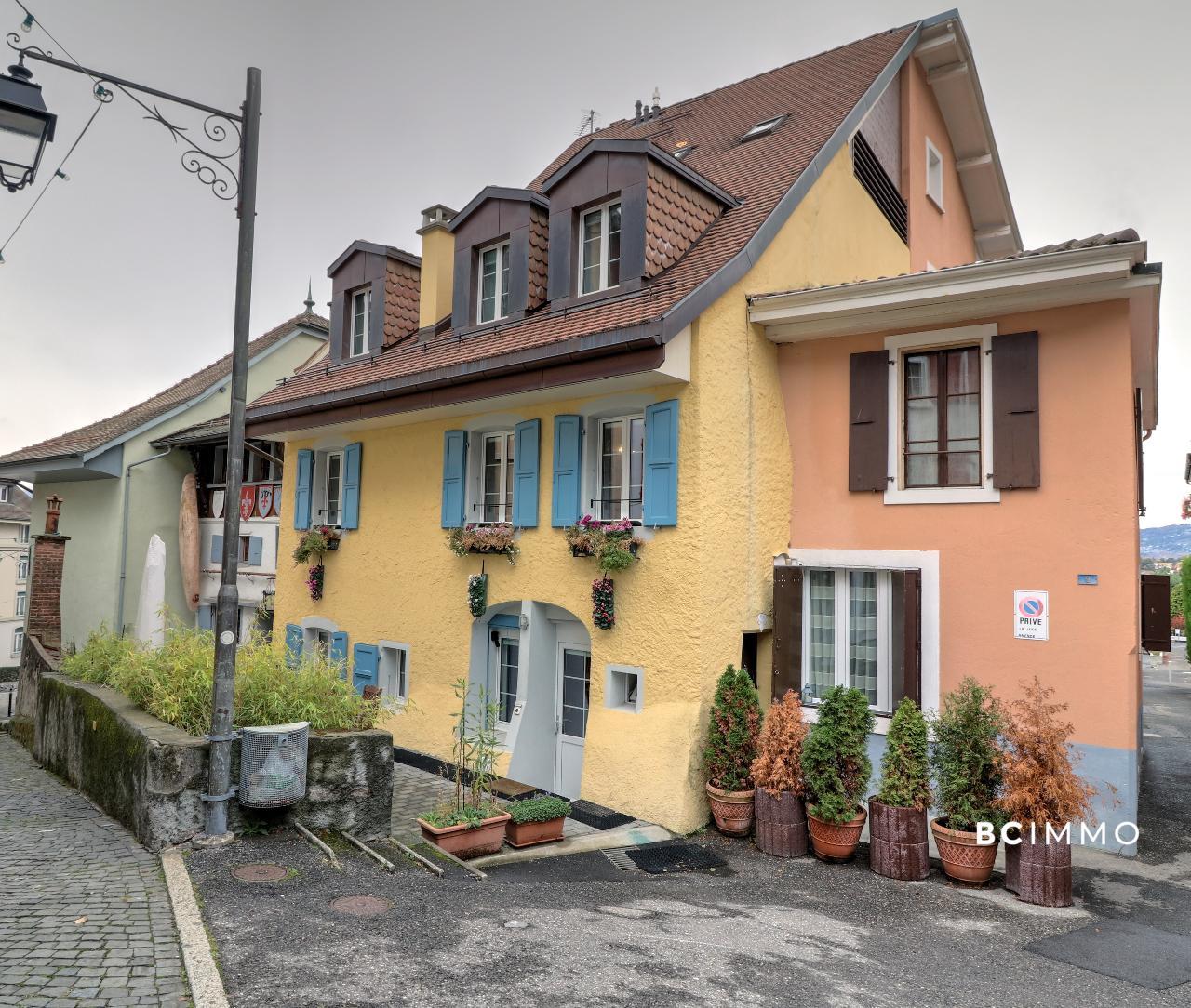 BC Immo - Charme et modernité au coeur du Bourg de Montreux  - M-18-008-GS