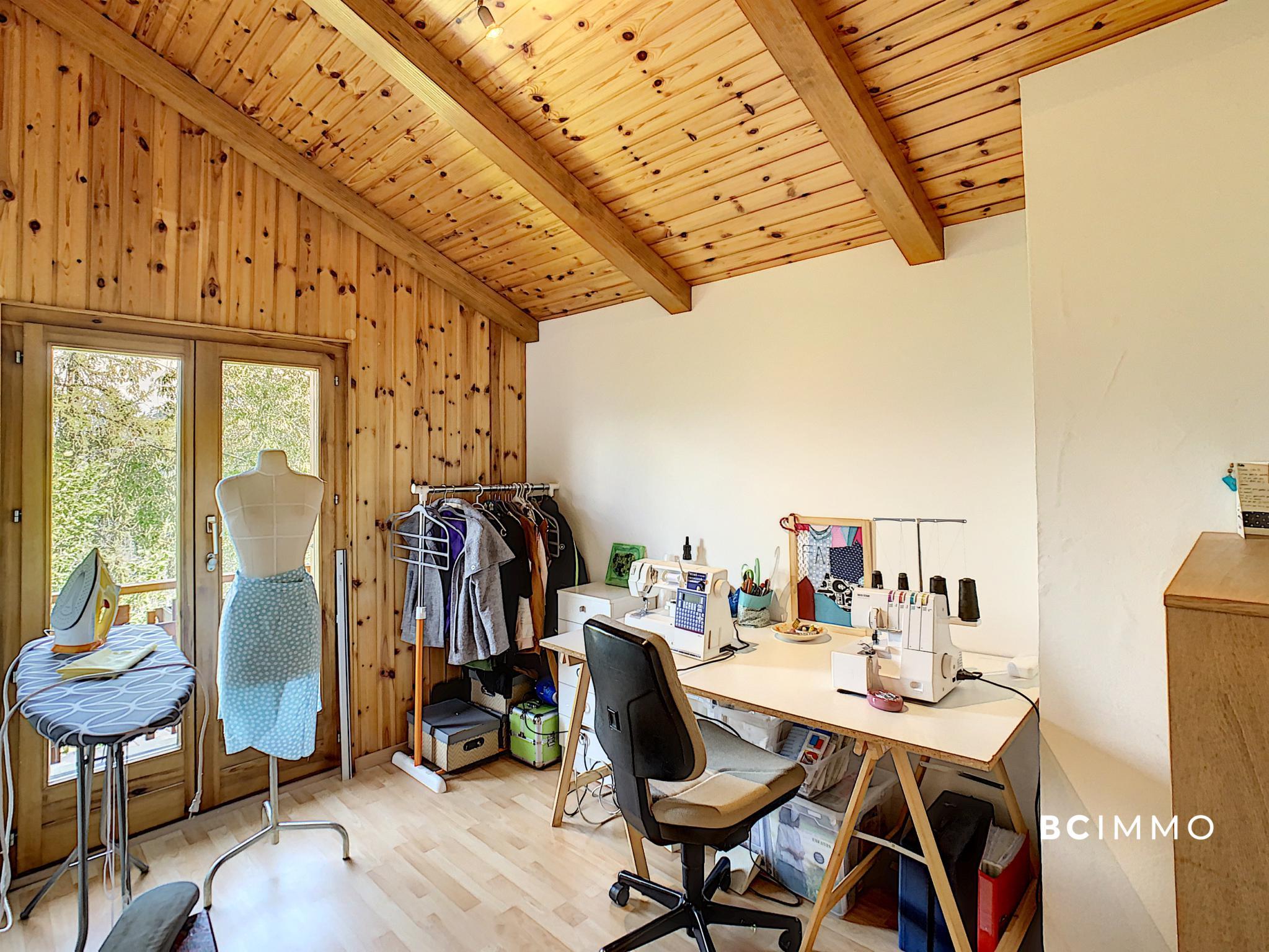 BC Immo - Magnifique Chalet idéalement située à Sarclentse - DCCHSA96