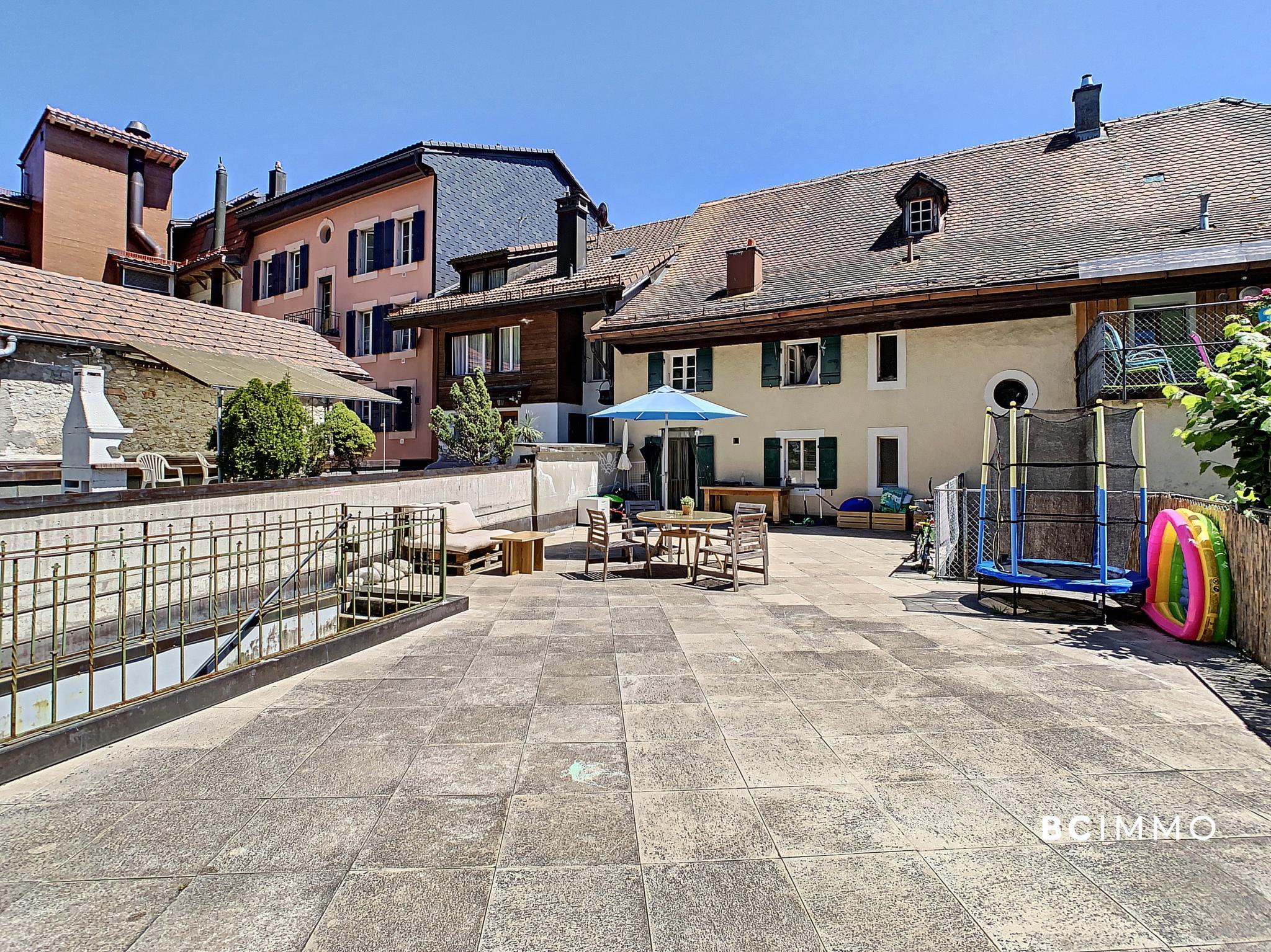 BC Immo - Immeuble mixte au centre du village - M-20-1660147
