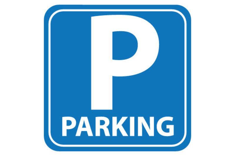 BC Immo - 3 Places de Parc - 1052PCJW